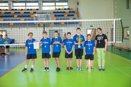 I miejsce w Międzyszkolnym Turnieju minipiłki siatkowej  o Puchar Burmistrza G